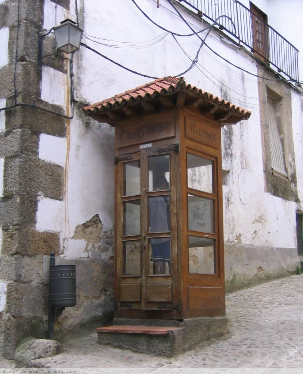 Cabina de teléfono antigua
